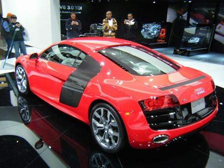 audi-r8-left-rear